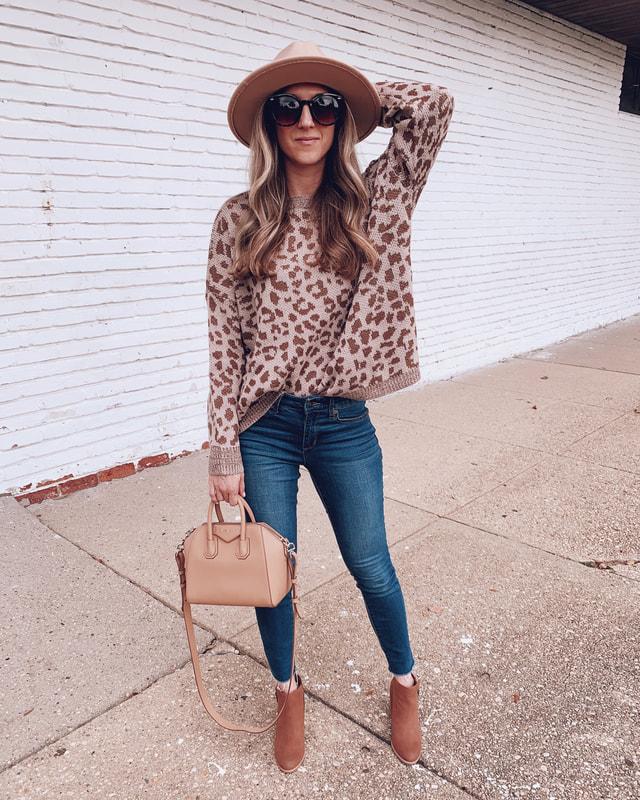 leopard print sweater walmart outfit sofia vergara blue jeans fashion
