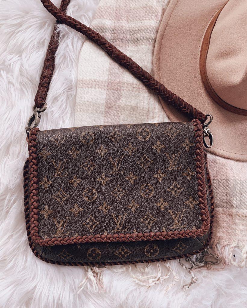 louis vuitton shoulder flap handbag purse