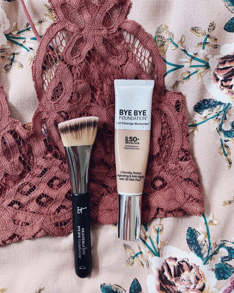 It cosmetics bye bye foundation full coverage moisturizer with heavenly bye bye foundation makeup brush